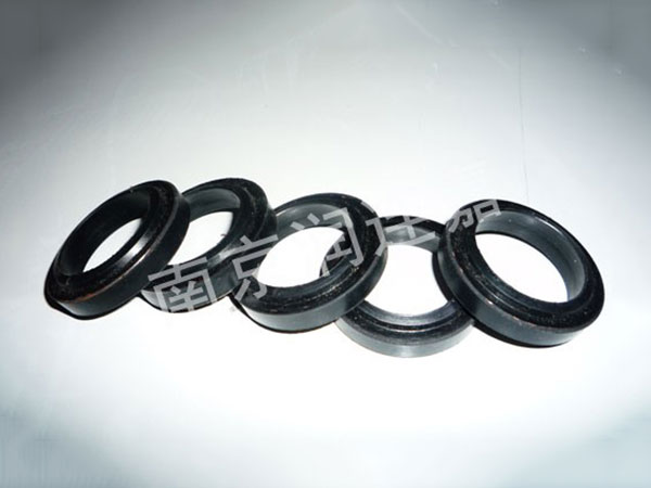 Concentric shaft oil seal of 32t slurry pump